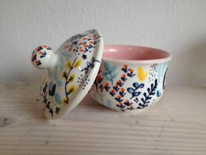 Bemalte Zuckerdose, Keramik bemalen Eigenlob