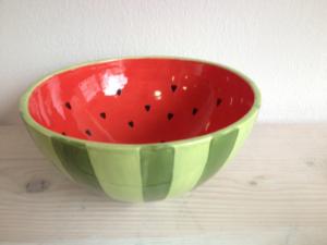 Bemalter Schale mit Melonenmotiv, Keramik bemalen Eigenlob