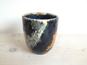 Bemalter Becher Olive, Keramik bemalen Eigenlob
