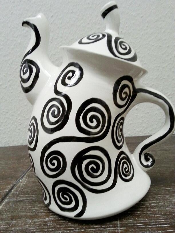 Tanzende Teekanne Keramik selbst bemalen