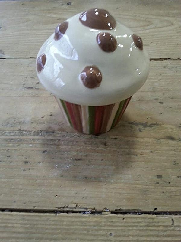 Handbemalte Dose Cupcake, Keramik bemalen Eigenlob