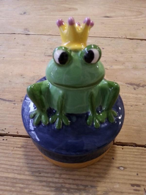 Handbemalte Dose mit Froschkönig, Keramik bemalen Eigenlob